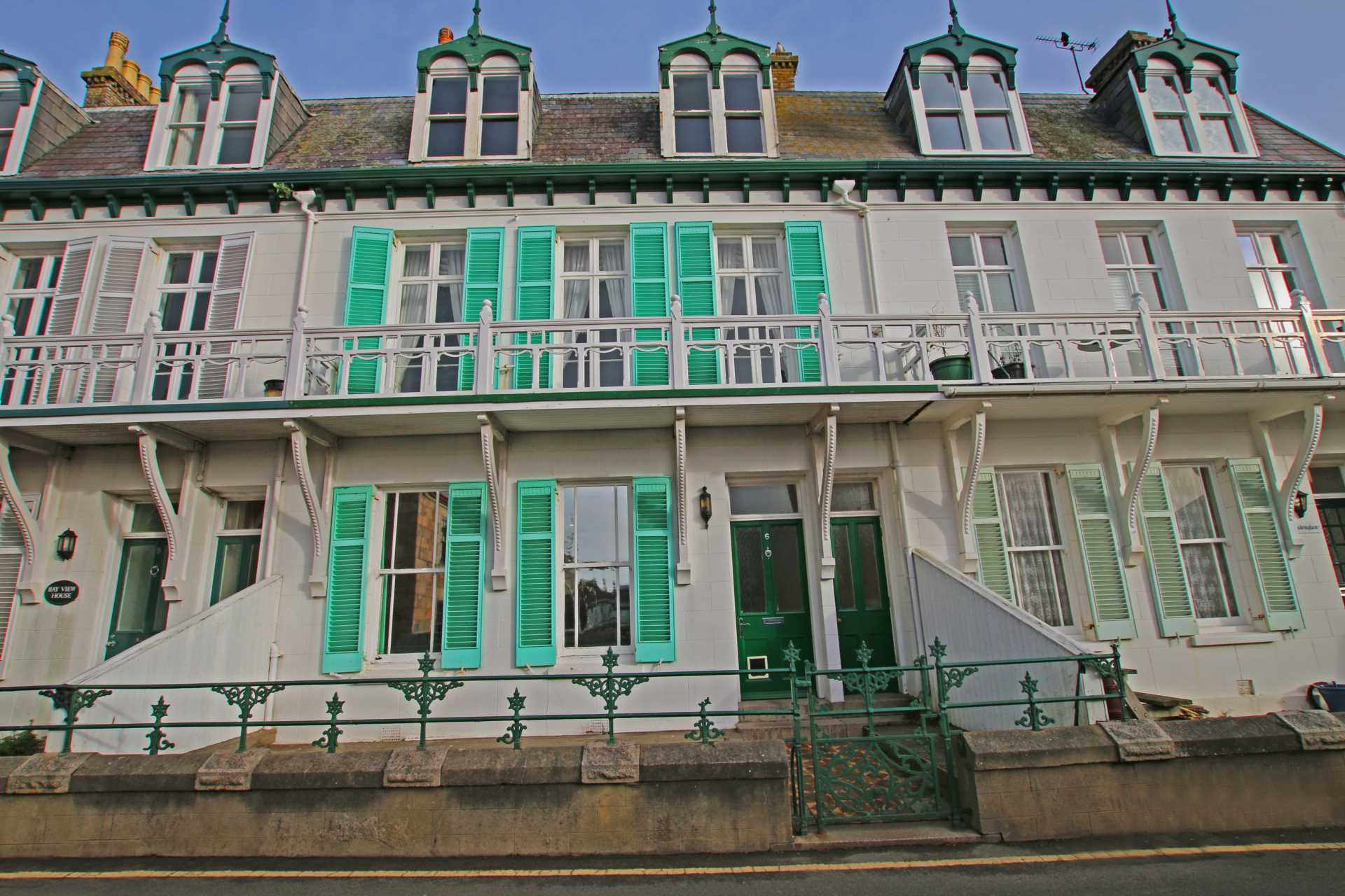 Resintated Victorian duplex home located at Le Hocq, St Clement